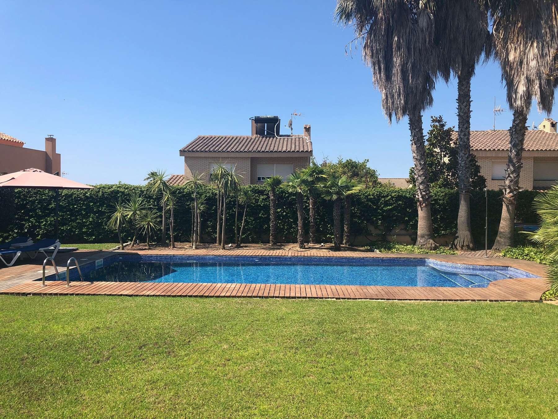 Вилла с бассейном на Коста Дорада