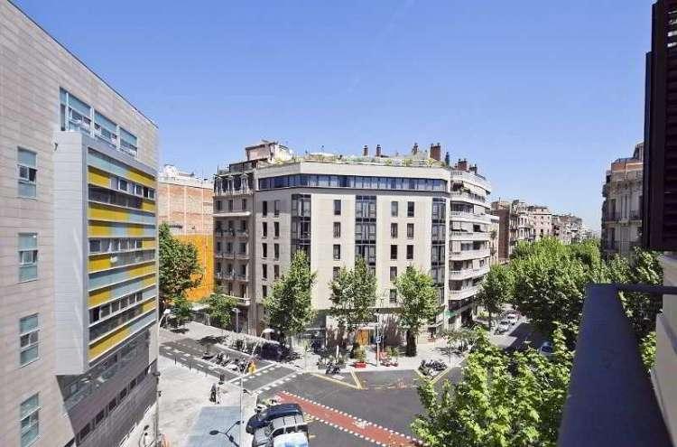 Апартаменты в Новостройке в Золотом Квадрате Барселоны