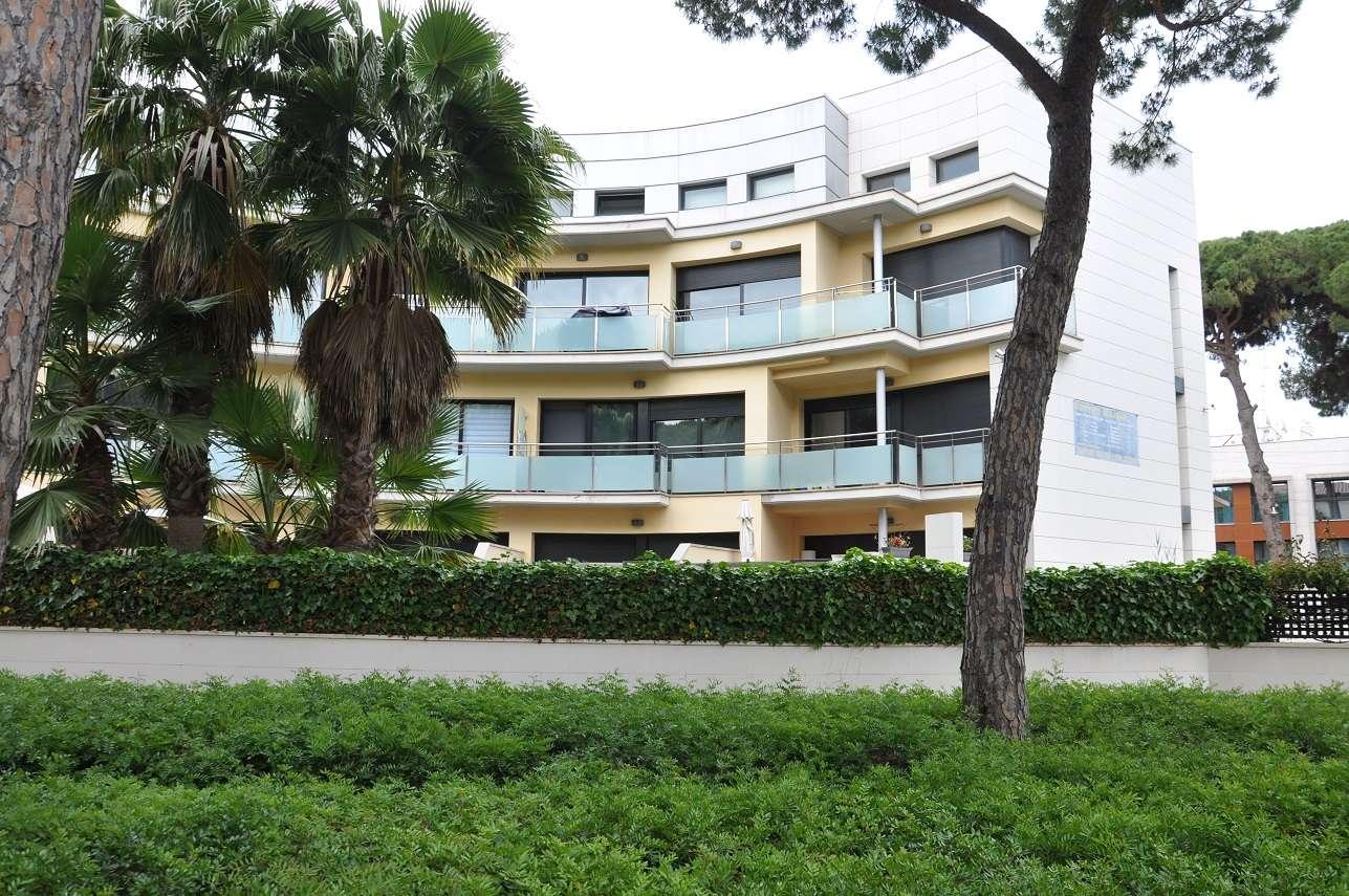 Блок туристических апартаментов в Кастельдефельсе
