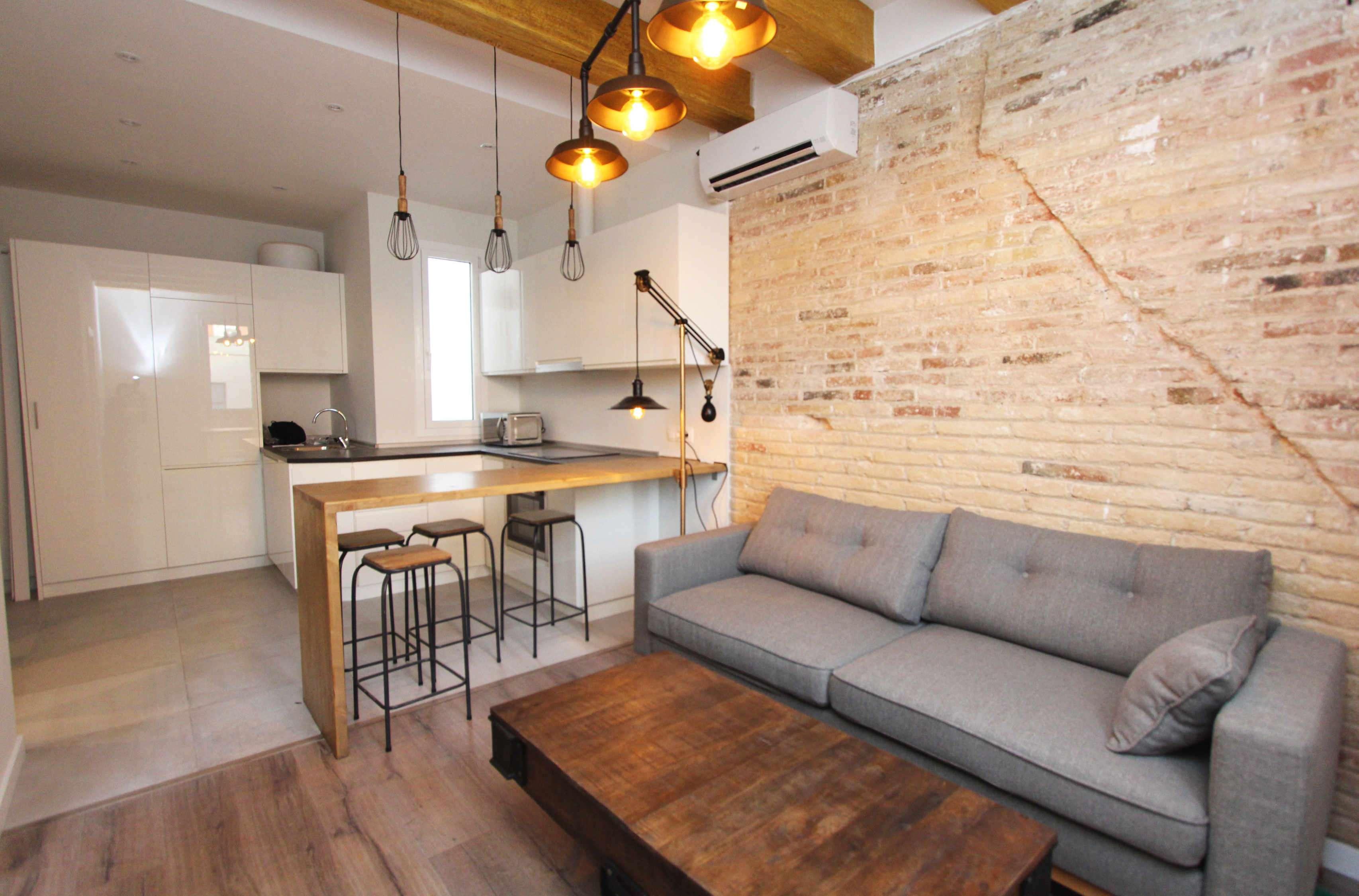 Квартира в индустриальном стиле в районе Саграда Фамилии