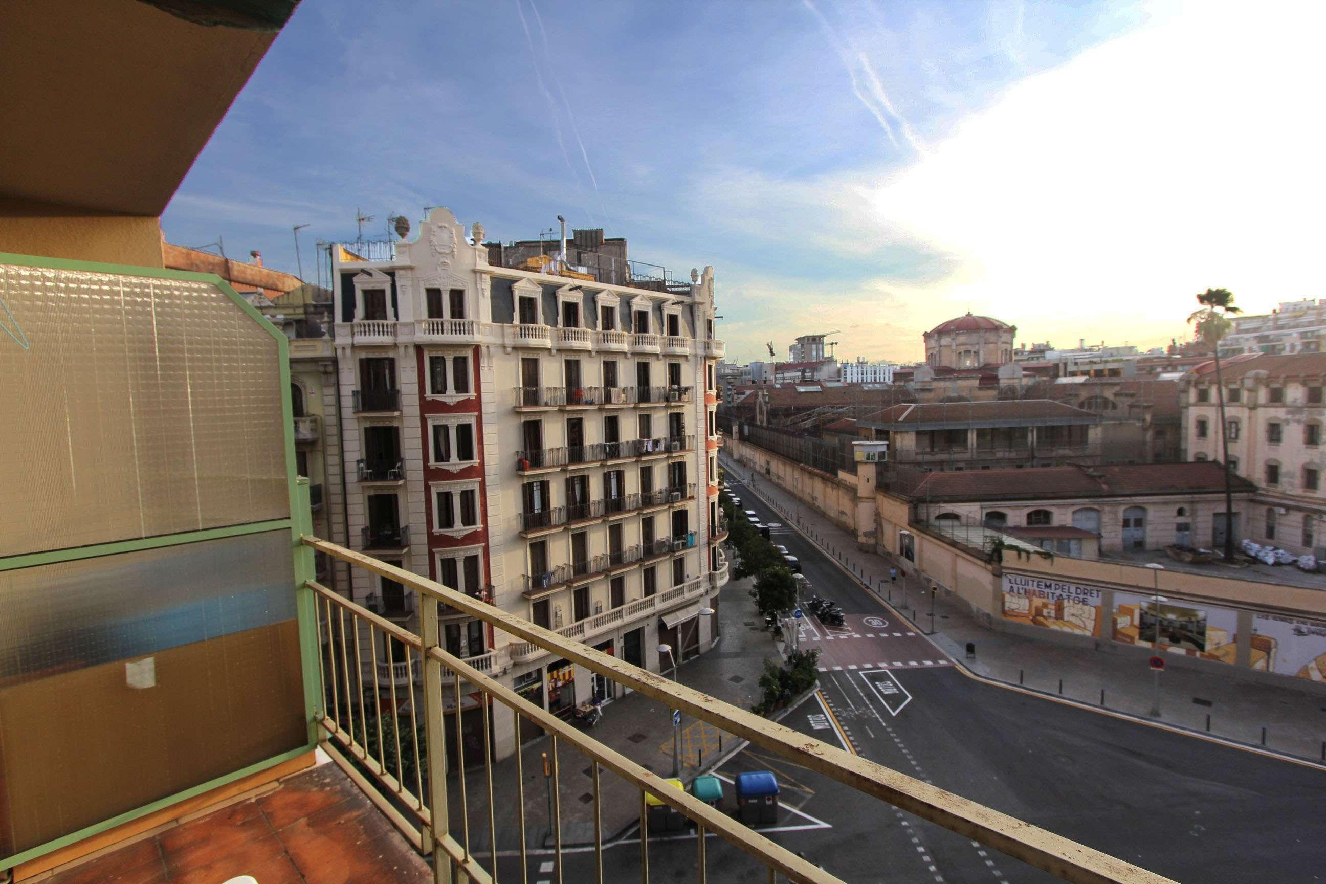 Квартира под ремонт в Барселоне