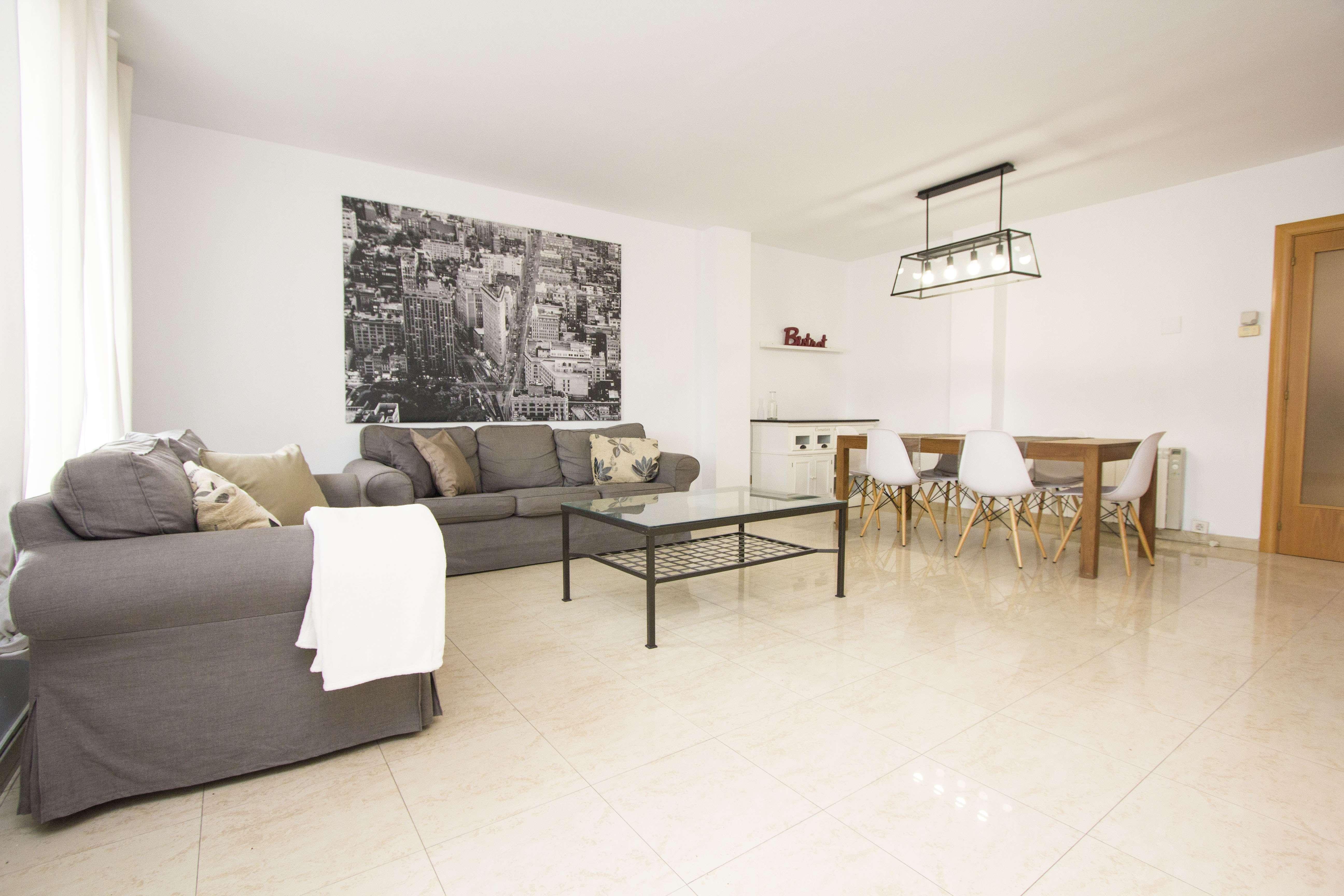 Комфортабельная Квартира в Элитном Районе, Барселона