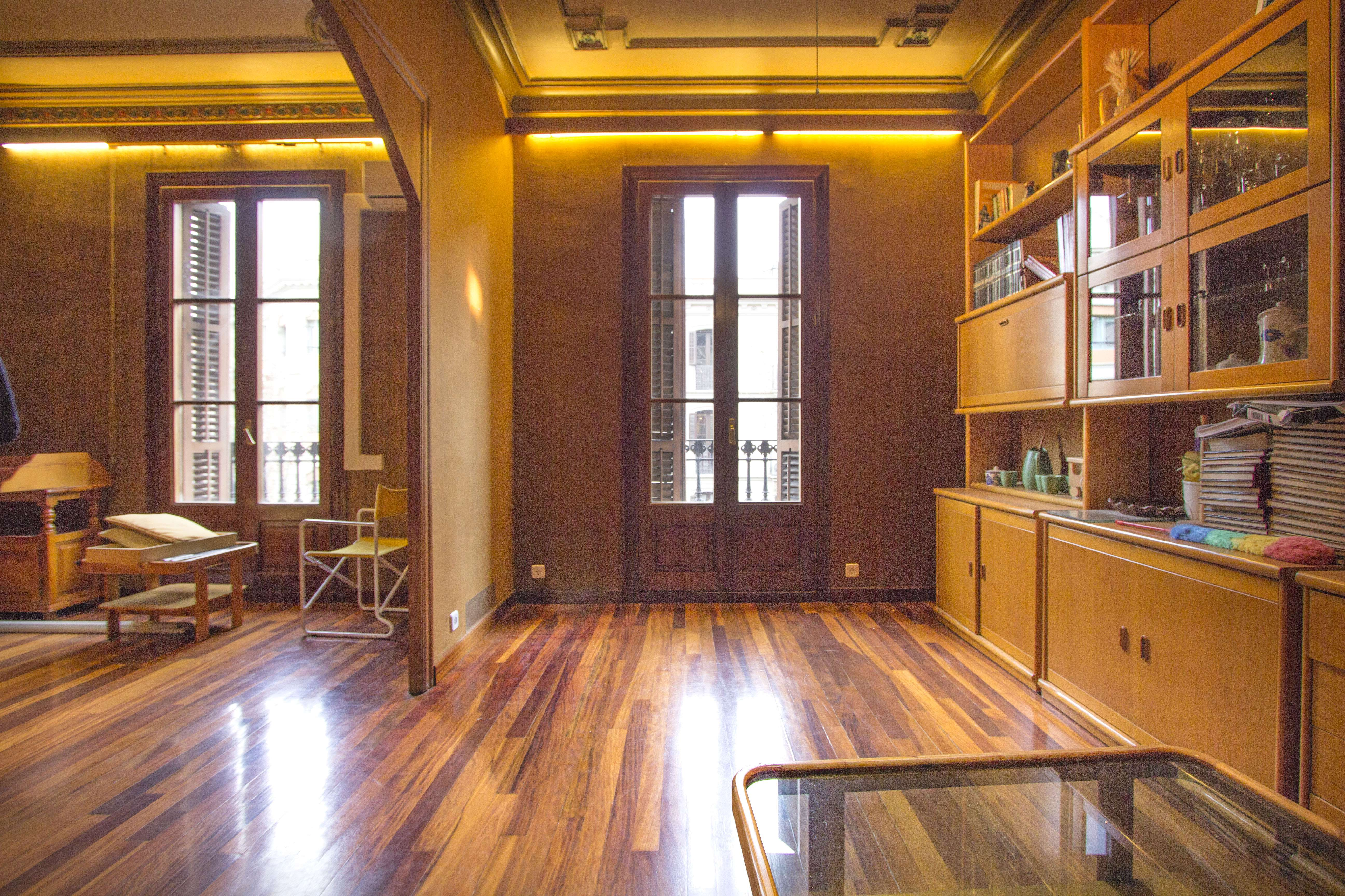 Классическая квартира в центре Барселоны