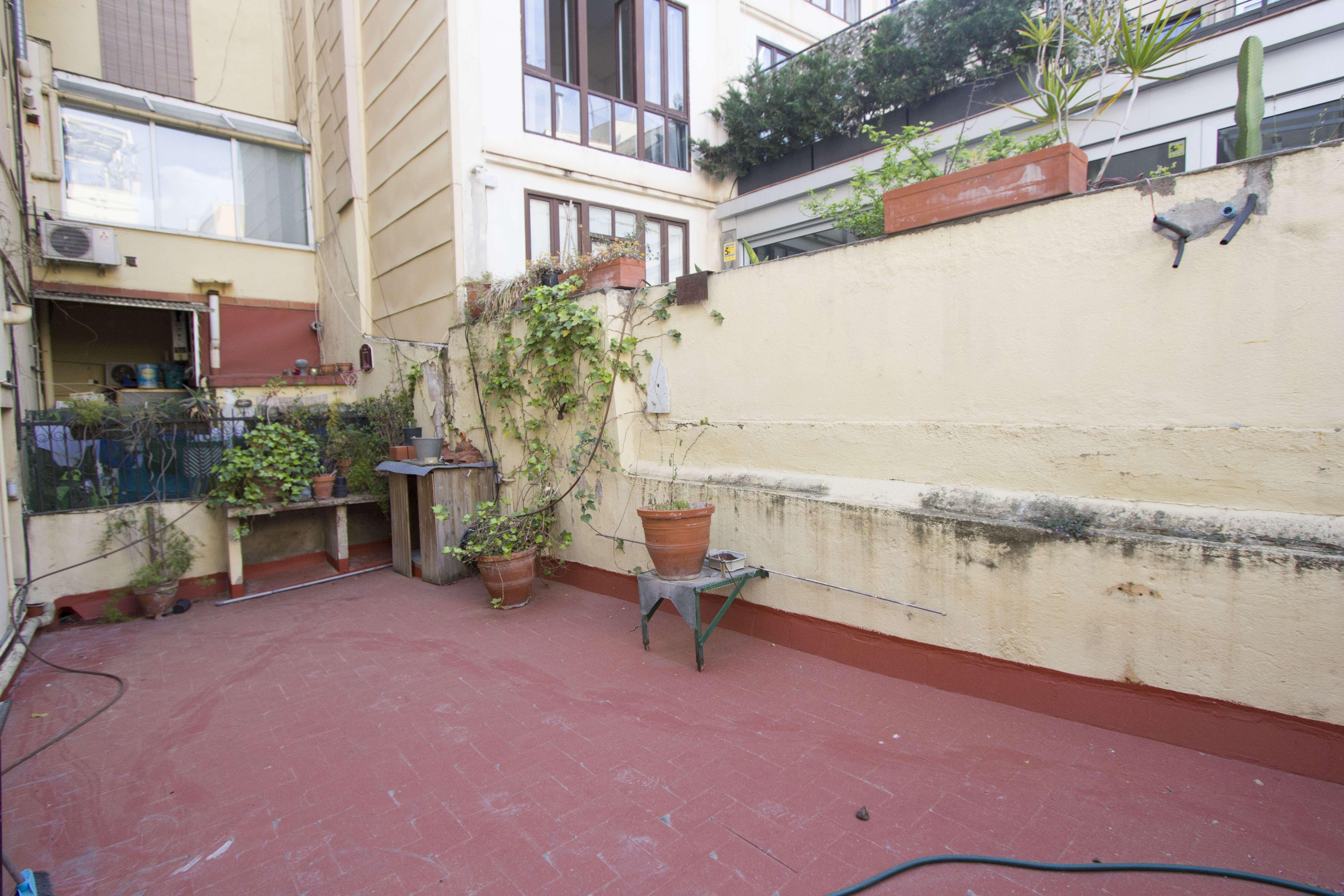 Квартира и локаль на продажу в Sant Pere